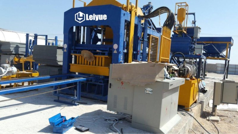 LEIYUE machinery QT10-15 block machine installed in Algeria.